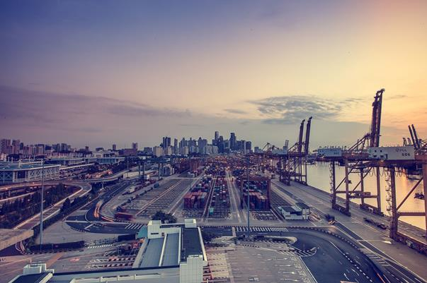 trade containers port